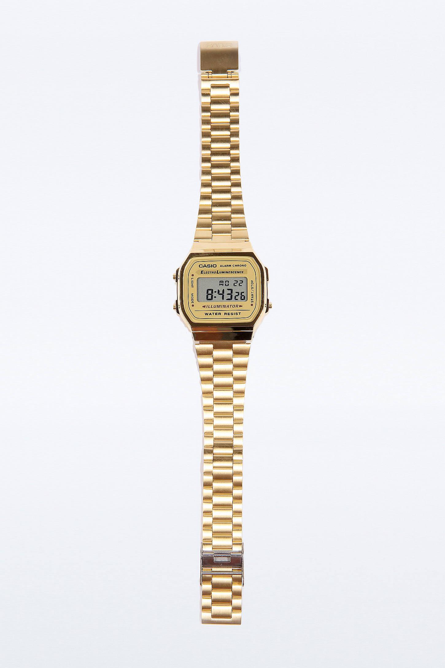 Montre Casio Couleur Or pour casio - montre classique à affichage numérique - or | urban outfitters