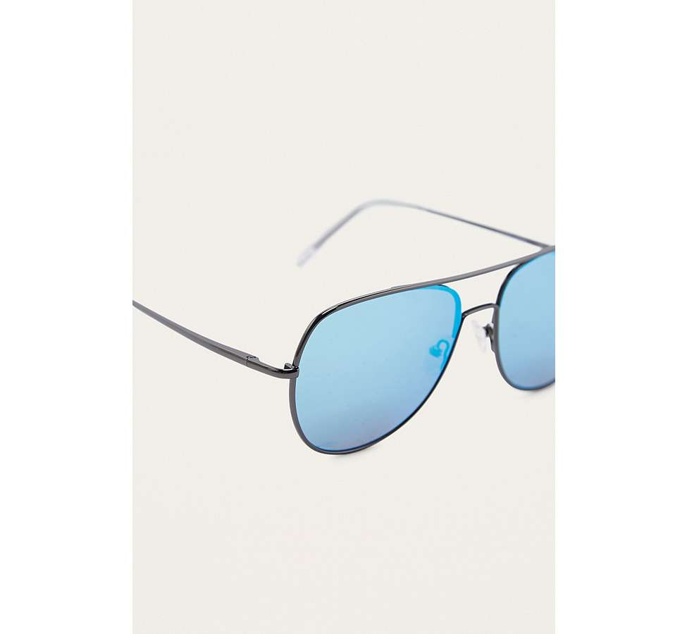 Slide View: 4: Quay Living Large Blue Lens Sunglasses